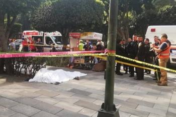 Cae trabajador desde piso 14 en Parque Hundido y muere