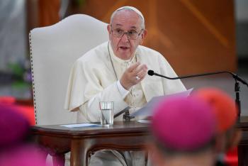 Tecnología y globalización amenazan individualidad de los jóvenes: Papa