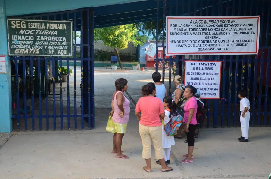Adelantan vacaciones escolares en Acapulco por violencia