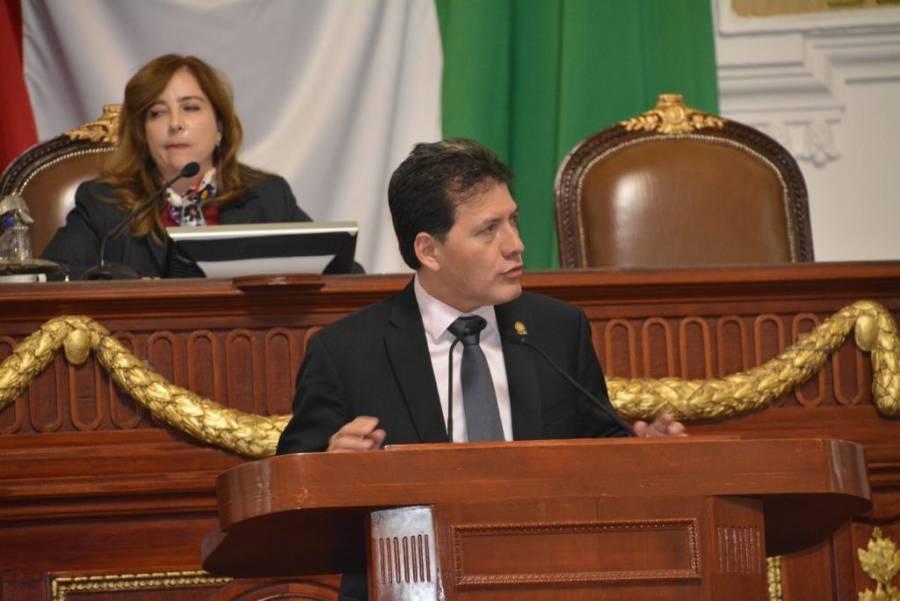 Lobo Román alerta sobre el resurgimiento del sarampión y de  la poliomielitis