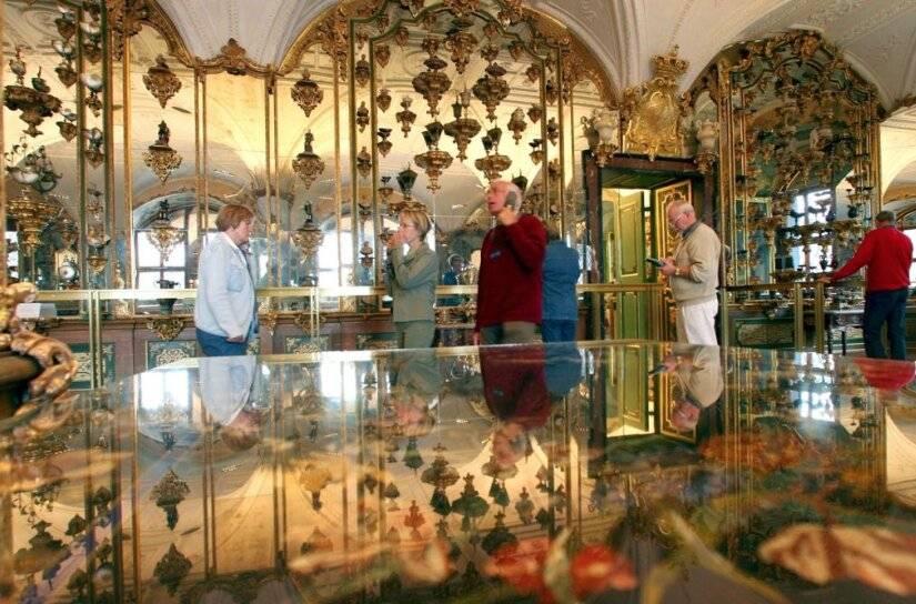 Roban invaluables colecciones de joyas en Alemania
