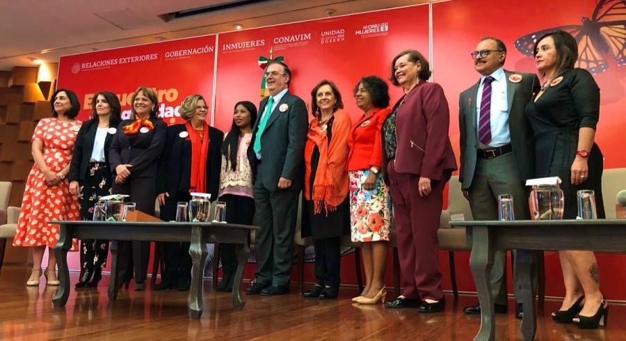 Inauguran Ebrard y Yalitza foro de la igualdad de género