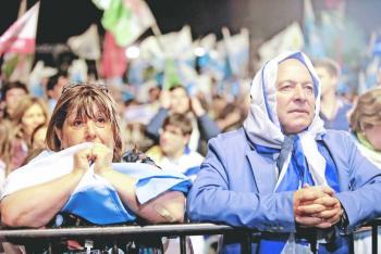 Discapacitados, residentes rurales y  militares decidirán elección en Uruguay