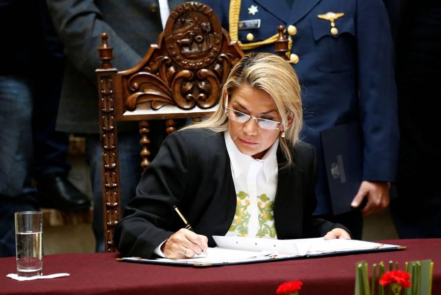 Bolivia analiza ampliación de mandato de Jeanine Áñez