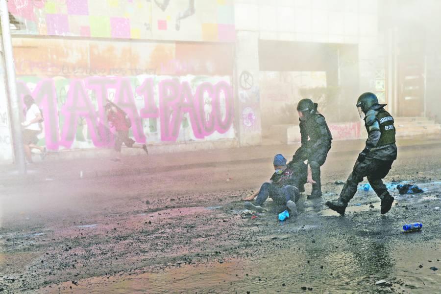 """Piñera sacará 4,534 policías más a  la calle """"para combatir la violencia"""""""