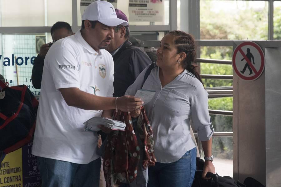 """Conoce lo que los """"paisanos"""" pueden ingresar en su regreso a México"""