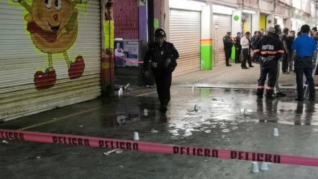 Balacera en Central de Abasto deja un muerto y tres heridos graves