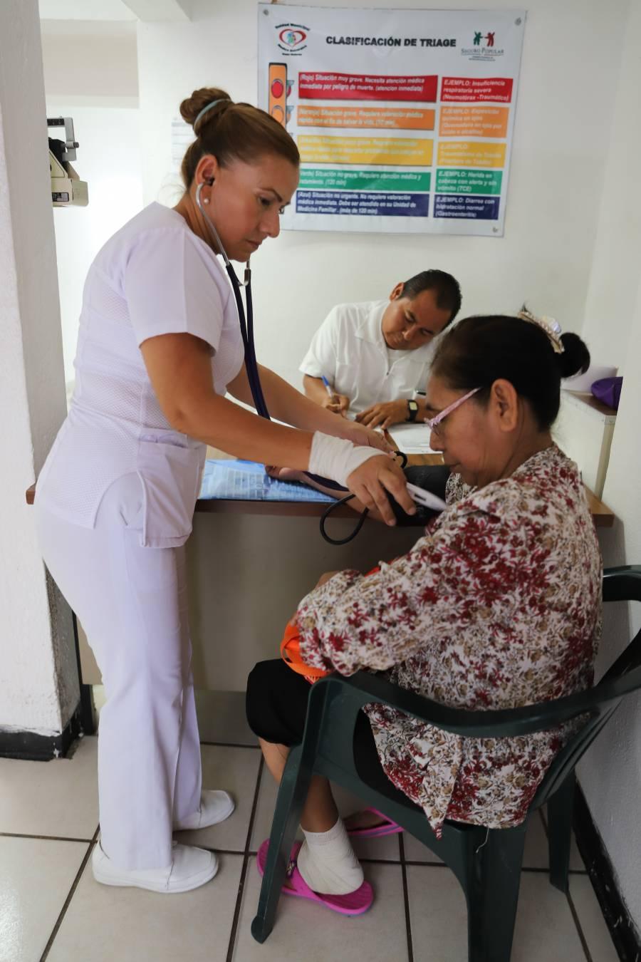A un año de gobierno, prevalece escasez de medicina en clínicas