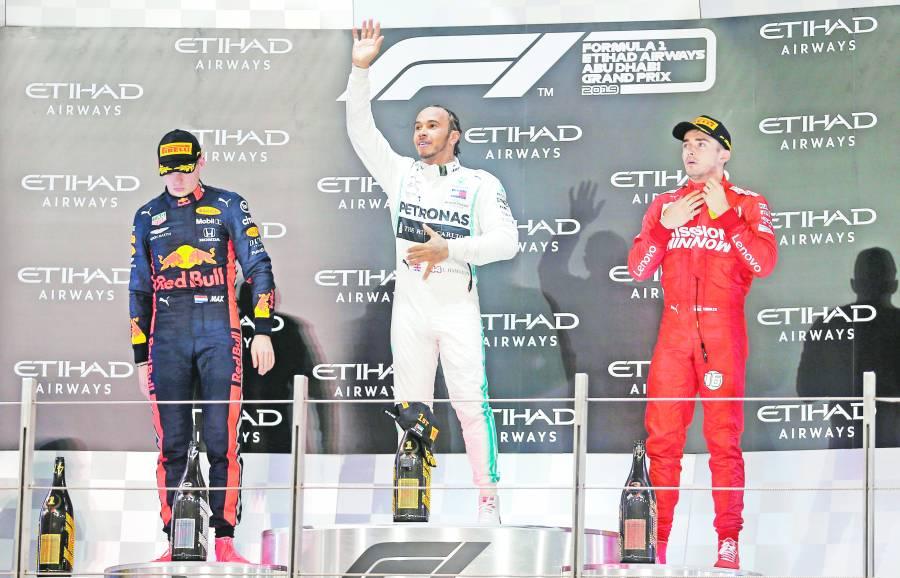 Por crisis de 12 años sin título, Ferrari negocia con Hamilton