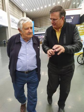 Marcelo Ebrard y José Mujica se reúnen en México