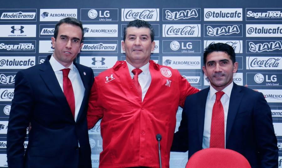 """""""Chepo"""" de la Torre anuncia limpia en el Toluca"""