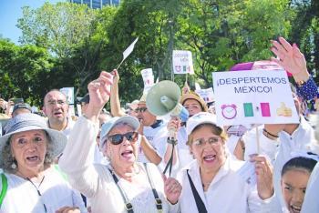 AMLO: los que marcharon eran conservadores disfrazados de ciudadanos