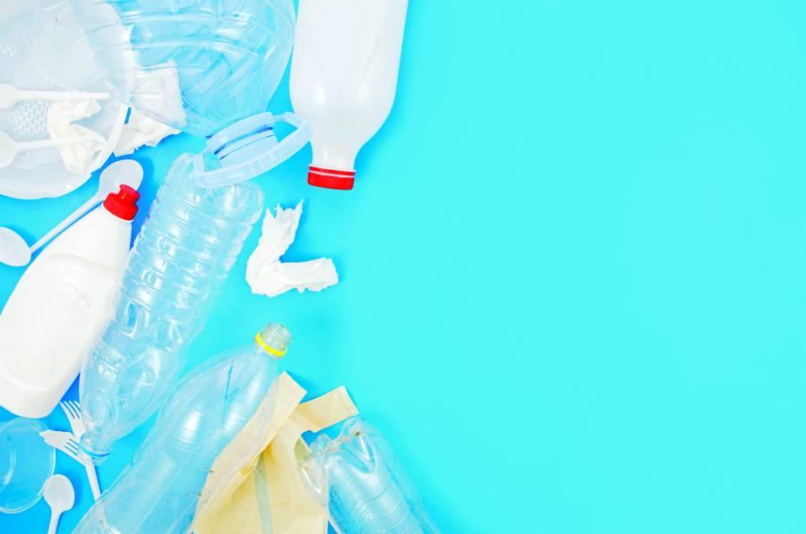 Plastiqueros pierden 500 mdd por nueva Ley