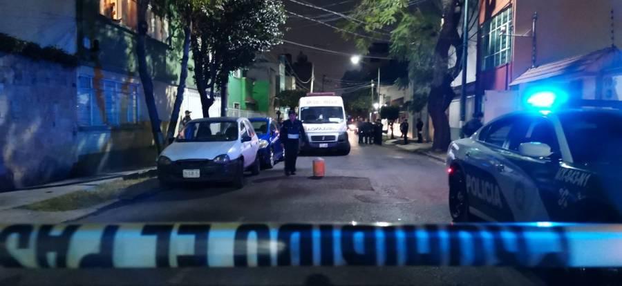 Persiguen y asesinan a un doctor en la puerta de su casa en Lindavista