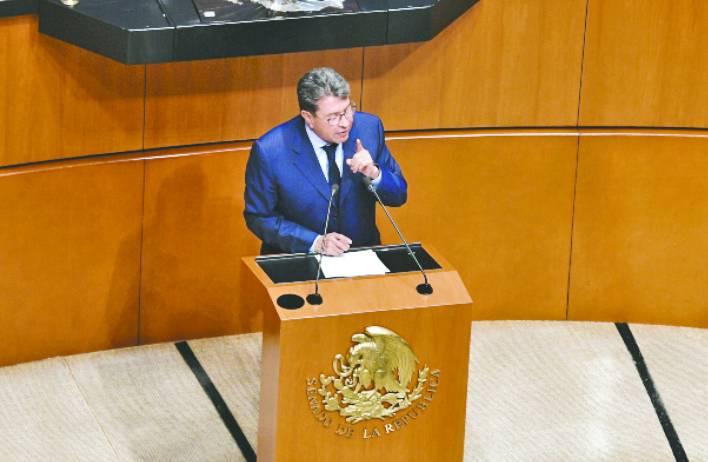 Monreal frena reforma de Napito del outsourcing