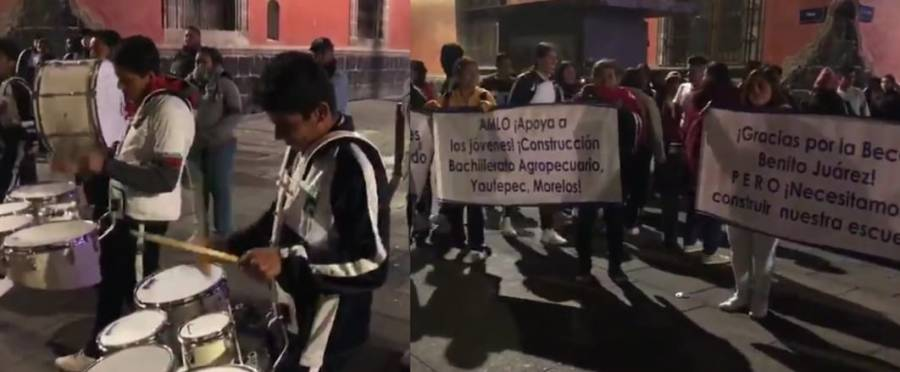 Con banda estudiantes piden escuela a AMLO
