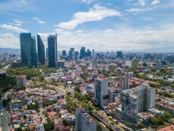 Un día nubado parle Valle de México