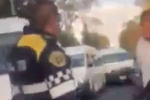 Choferes de transporte público agreden a policía de la CDMX