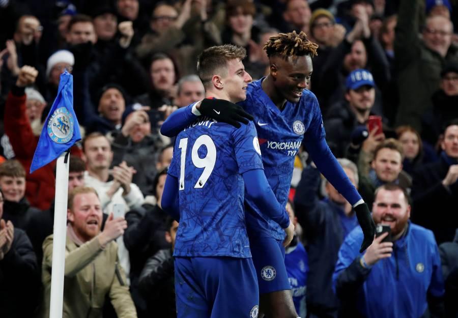 Chelsea derrota al Aston Villa en el regreso de John Terry a Stamford Bridge