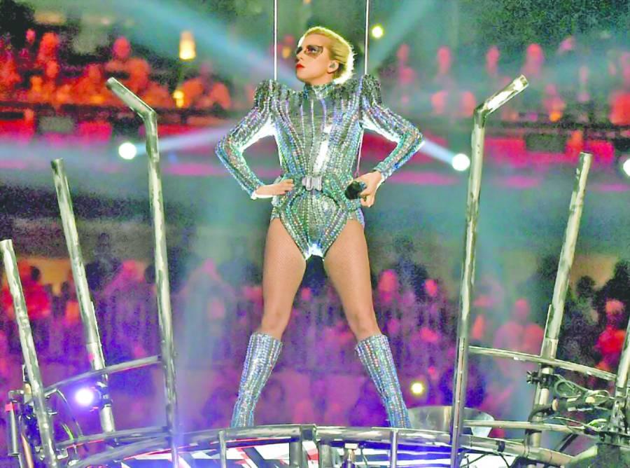 Lady Gaga hace sombra a Shakira y JLO en el Super Bowl