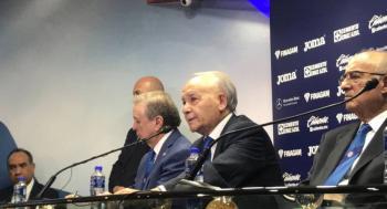 Corona seguirá en Cruz Azul: Billy Álvarez