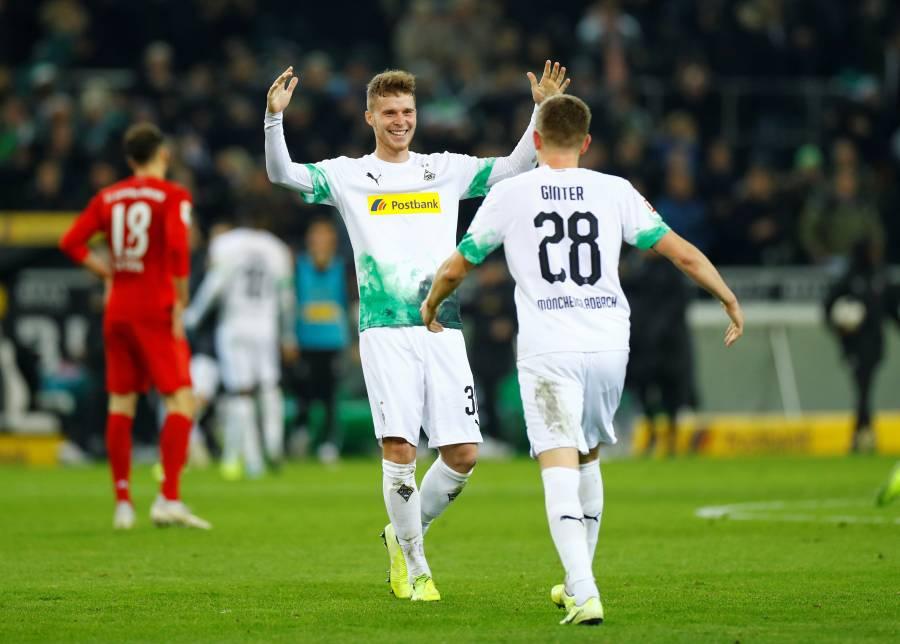 Borussia Monchengladbach gana al Bayern y refuerza el liderato de la Bundesliga
