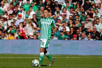 Guardado y Lainez titulares con el Betis en el triunfo sobre el Bilbao