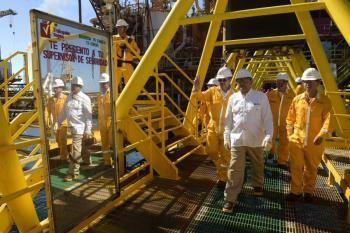 Ejecutivo va por incrementar la producción petrolera en el país