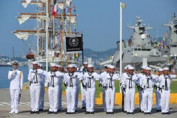 Descartan militarizar puertos por iniciativa