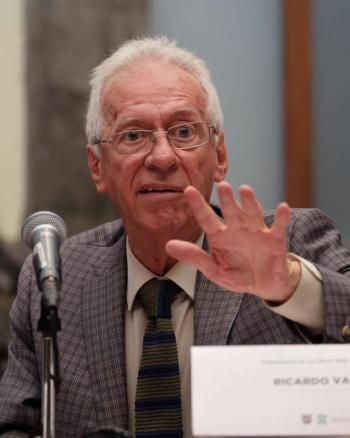 """Piden no """"linchar"""" a Embajador de México en Argentina por el presunto robo de un libro"""