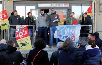 Enfrenta Francia su quinto día de huelga contra reforma de pensiones