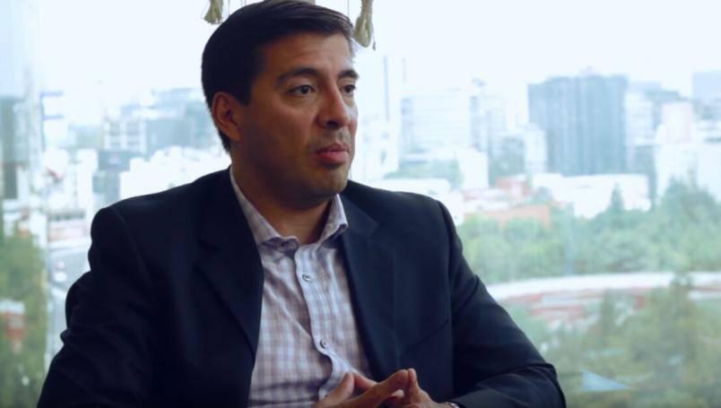 Emiten orden de aprehensión contra exesposo de Abril Pérez