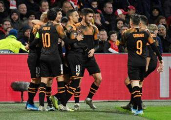 Valencia elimina al Ajax de Edson Álvarez