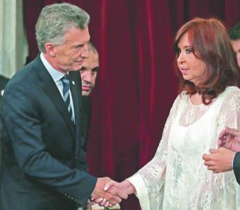 Fernández promete acabar  con la pobreza y la persecución
