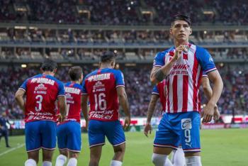 Alan Pulido deja a Chivas y emigra al Sporting de la MLS