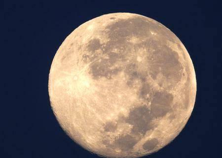 """Disfruta la """"Luna fría"""", la última luna llena del 2019 y de la década"""