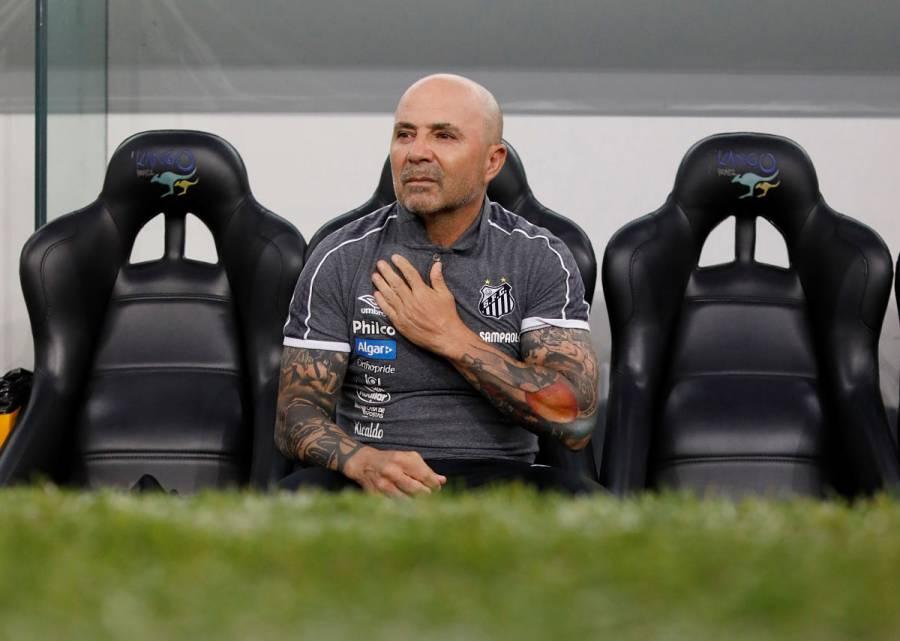 Sampaoli renuncia como DT de Santos tras apenas un año