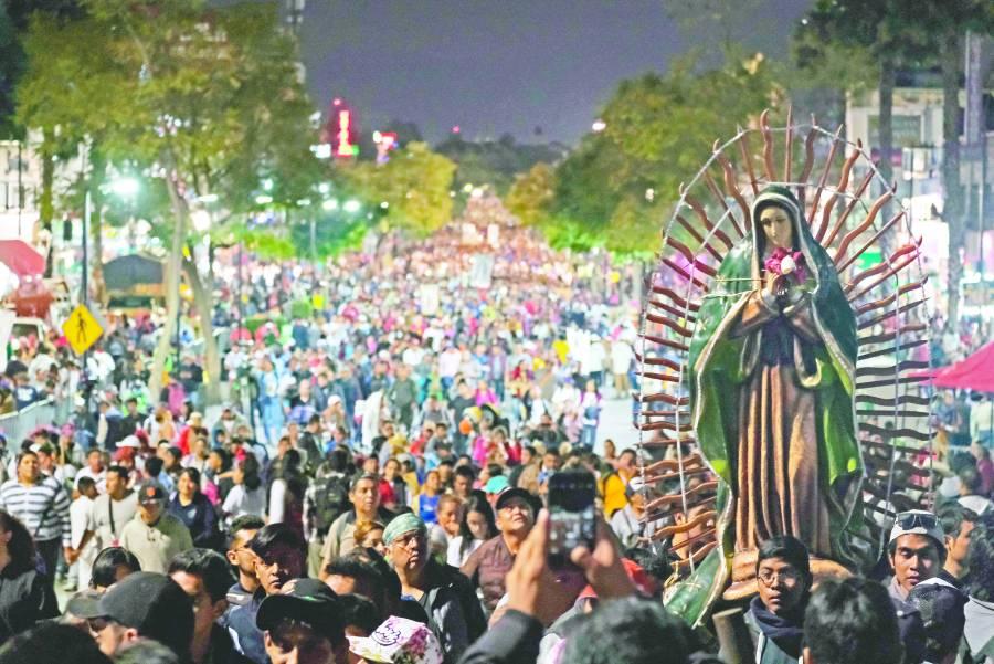 Visitan a la virgen de Guadalupe siete millones de peregrinos
