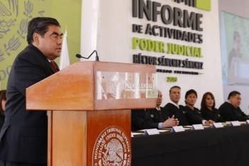 Reorientar y fortalecer la vida pública de las instituciones, dice Miguel Barbosa