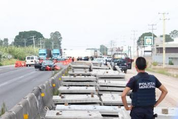 Por ataque,Sinhuepide mejorar a policías municipales