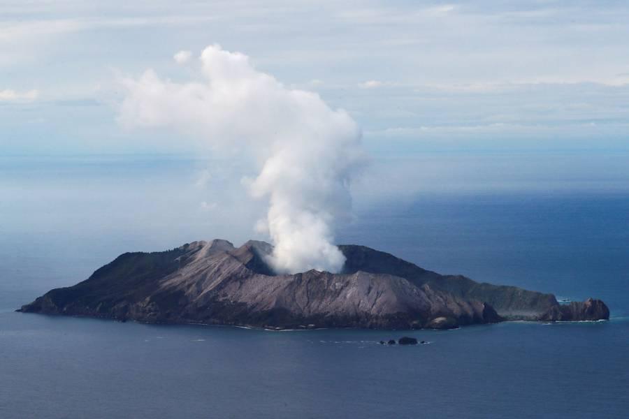 Recuperan seis cuerpos tras erupción en Nueva Zelanda