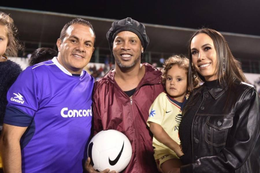 Declaran a Ronaldinho ciudadano morelense