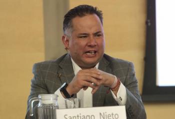 UIF investiga a funcionarios relacionados con García Luna