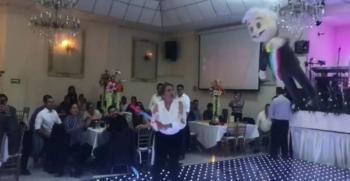 Bancada del PRD en la Cámara de Diputados organizan fiesta de fin de año y piñata