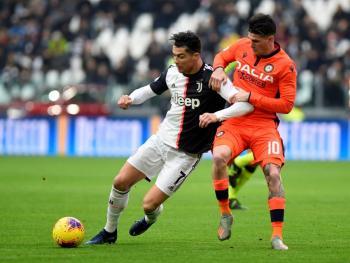 Cristiano mete doblete y se pone a 5 goles de alcanzar a Messi