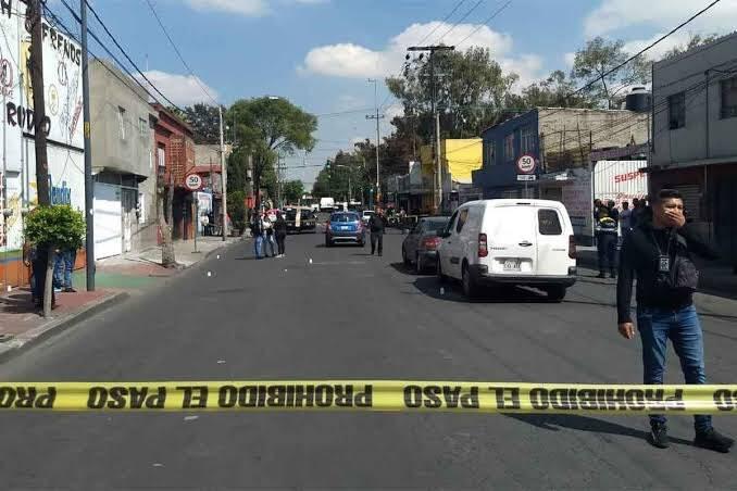 Un muerto y dos heridos por balacera en Iztacalco