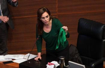 Morena pide expulsión de Lilly Téllez de su bancada en el Senado