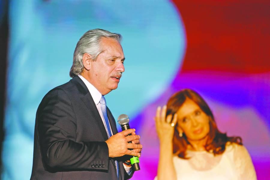 Fernández ahora impone  aranceles a ahorro en dólares