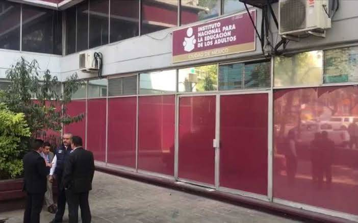 Asaltan oficina del INEA en la Condesa