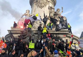 Continúan las protestas contra pensiones en París